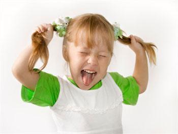 引起孩子多动症的原因