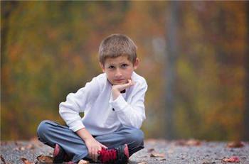 儿童多动症的表现?切忌孩子活动过多不一定是调皮